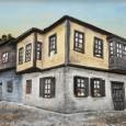 Antalya aşığı Şeyma Candan, Kaleiçi'nde bugün pek çoğu yok olmuş tarihi konakları, siyah beyaz fotoğraflarına bakarak yaptığı üç boyutlu tablolarında...